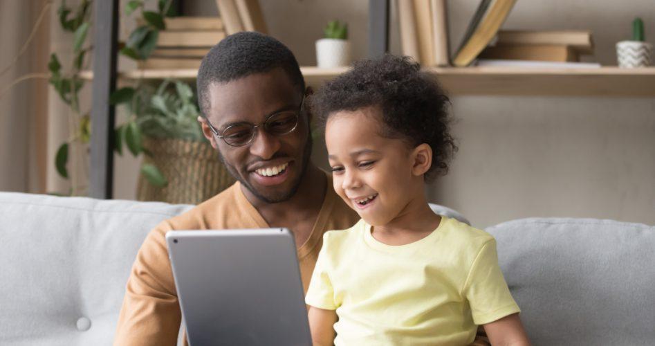 parent-child-on-internet-scavenger-hunt